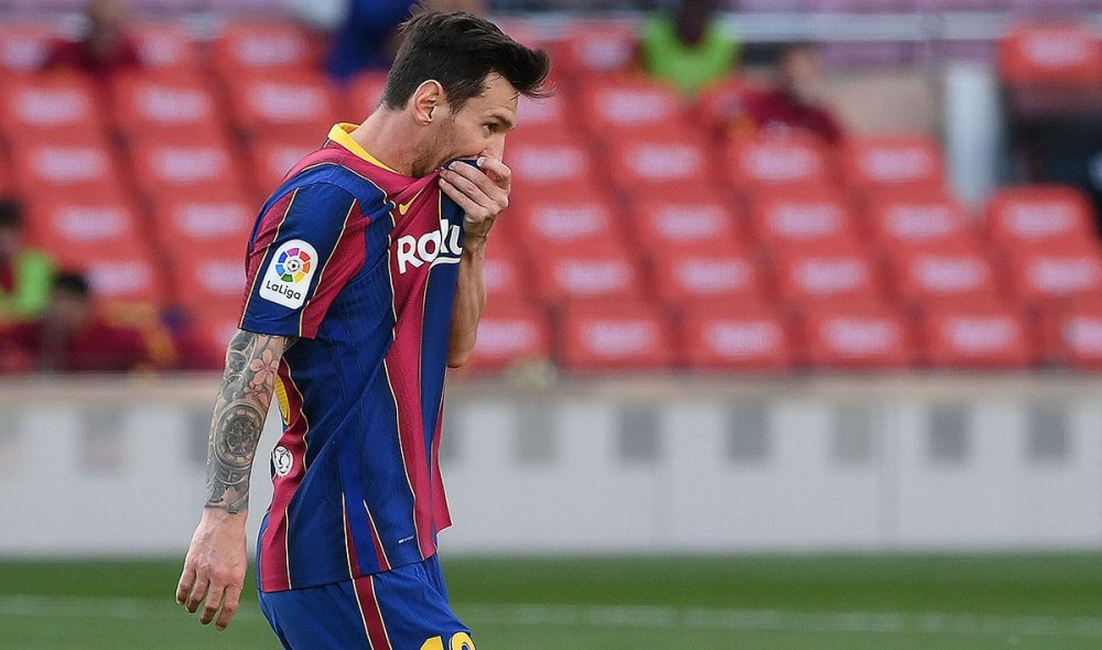 Transfer Latest: Pochettino Speaks On Messi To PSG